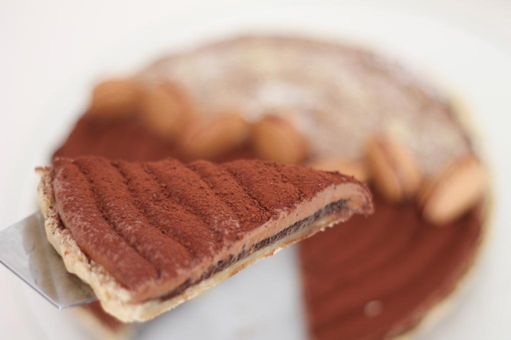 mocca almond tartby layers